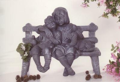 Sculpture de Banc et enfants
