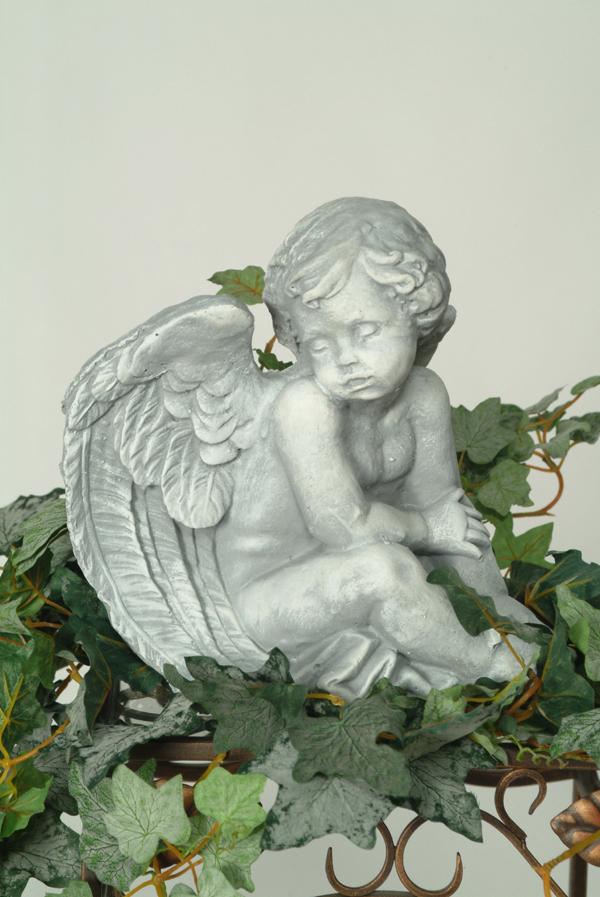 Statue de jardin d'ange perle d'eau douce