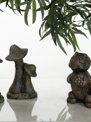 Statue de jardin de champignons et chenille