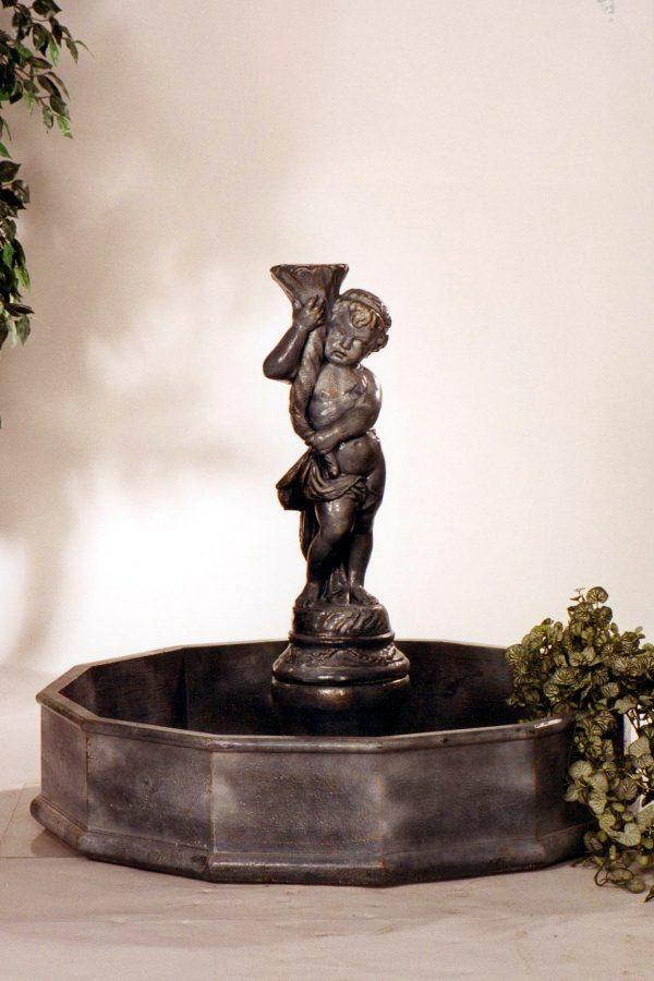 Fontaine bassin garçon à corne