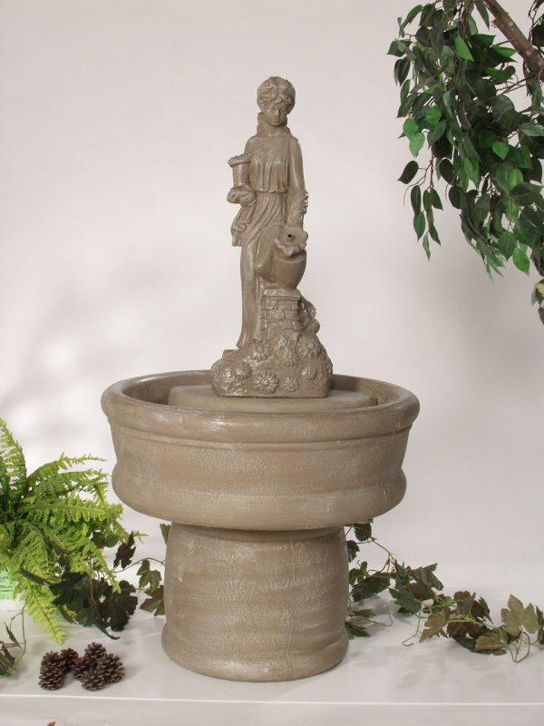 Fontaine fille aux marguerites