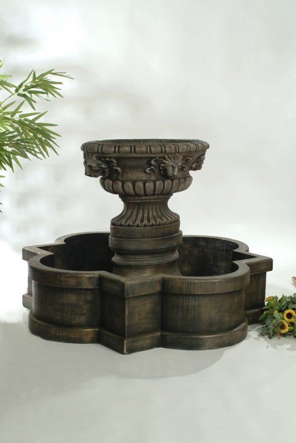 Fontaine pot lion