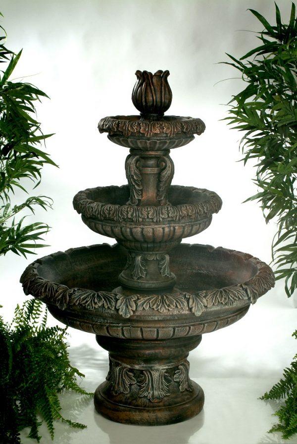 Fontaine 3 étages feuillu