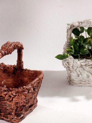 Pot à fleurs en forme de panier