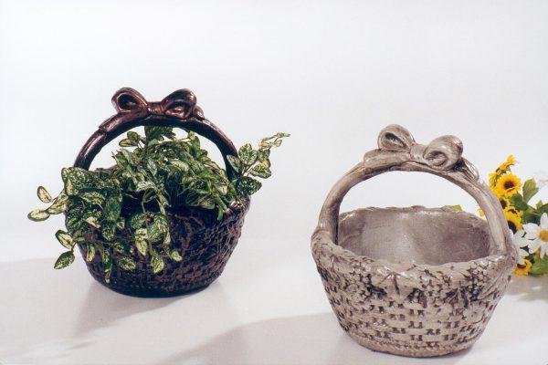 Pot à fleurs avec petits raisins