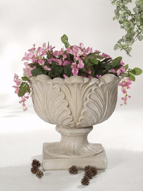 Pot à fleurs avec feuilles