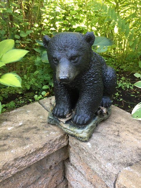 Statue de jardin d'ourson