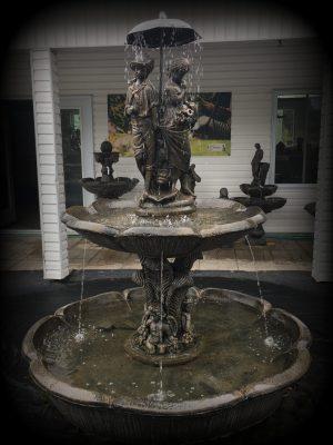 Fontaine angélique avec bassin