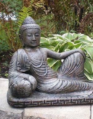 Statue de jardin bouddhacouché indonesien