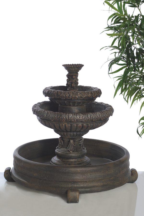 Fontaine classique feuillu