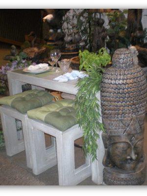 Table de patio avec bancs