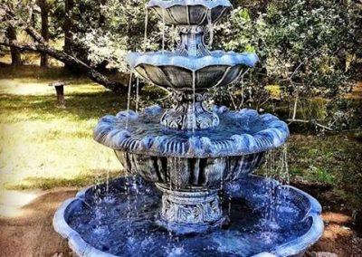 Fontaine avec grand bassin