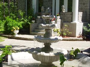 Grande fontaine avec lions