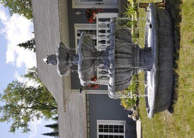 Grande fontaine à quatre étages