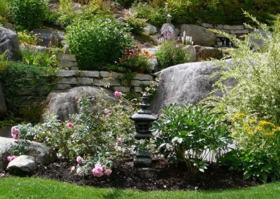lanterne carrée avec fleurs roses