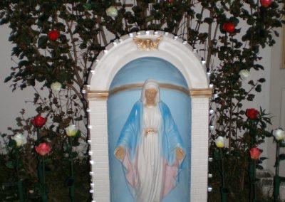 Sculpture de la Vierge Marie